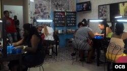 Salón de belleza privado en La Habana Vieja.