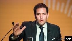 Senador Marco Rubio amenaza bloquear una ley que promueve fondos de Estados Unidos hacia Cuba