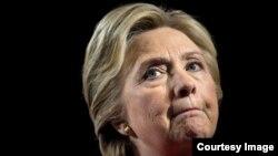 La trama rusa da un giro inusitado para Hillary Clinton.