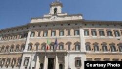 Raúl Castro será recibido por el primer ministro italiano, Matteo Renzi, en el Palazzo Chiggi, sede del gobierno.