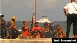 Cubanos en las Caimán: o siguen su camino o son deportados a Cuba.