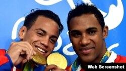(i-d) Robeisy Ramírez y Arlen López.