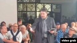 Julio Aleaga Pesant habla en la sesión de Último Jueves de la revista Temas. (Archivo)