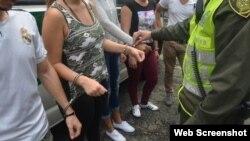 Foto tomada por la Policía Metropolitana del Valle de Aburrá de los inmigrantes cubanos.