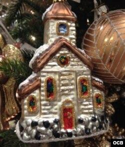 Iglesia, adorno de Navidad.