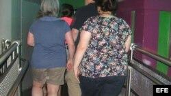Fotografía de archivo de personas obesas.
