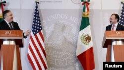 El Secretario de Estado Mike Pompeo en conferencia de prensa junto al canciller mexicano Luis Videgaray.