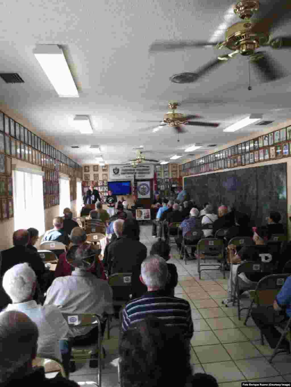 Miembros del Presidio Político Histórico Cubano celebran encuentro en la Casa del Preso de Miami.