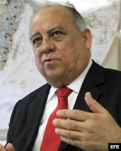 El embajador de Venezuela en España, Mario Isea, durante una entrevista concedida a Efe en 2013.