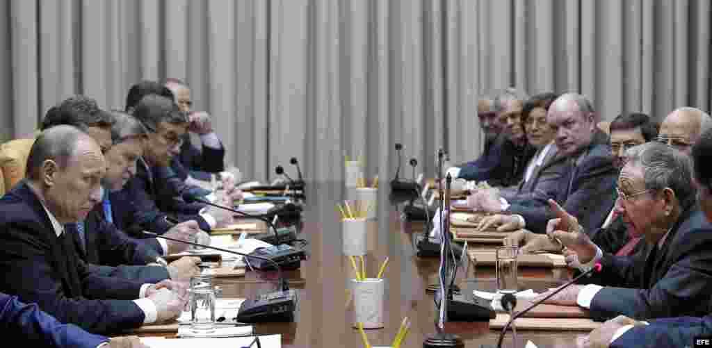 Vladimir Putin y Raúl Castro firmaron una decena de acuerdos bilaterales en energía, petróleo, industria y transporte aéreo.
