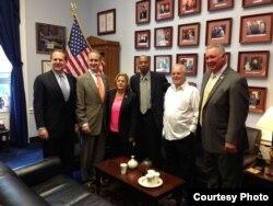 Guillermo Fariñas y Elizardo Sánchez en Washington se reúnen con congresistas senadores y representantes