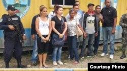 Algunos de los cubanos arrestados.