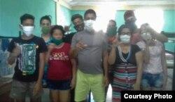 Sospechosos de coronavirus protestan en Holguín por deficiente atención médica. (Foto: Katerine Mojena/CubaNet)