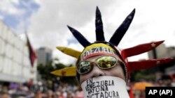 Estados Unidos dice que junto a la comunidad internacional seguirán presionando para que el gobierno de Nicolás Maduro acepte compromisos para elecciones libres y justas. Secores de la oposición desconfían del proceso de negociación. Foto: AP/Archivo.