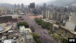 Avenida Bolívar de Caracas, venezuela. Cierre de campañas elecctorales de los candidatos