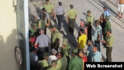 Hablemos Press documenta arrestos (GIbara Holguín)