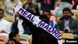 Una fanática del Real Madrid en el final de la súpercopa en el King Abdullah Sports City, Jeddah, el 12 de enero de 2020. REUTERS/Sergio Perez