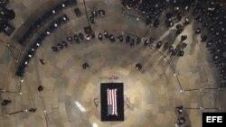 Imagen Capilla ardiente de John McCain en el Capitolio