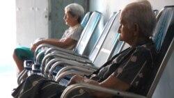 Cubanos reaccionan al mínimo incremento a las jubilaciones