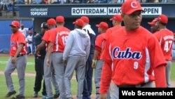 Peloteros cubanos en el Torneo de los Puertos de Rotterdam.