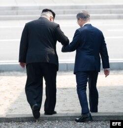 Moon Jae-in recibe a Kim Jong-un con una ceremonia de bienvenida en frontera