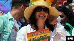 Mariela Castro encabeza una conga por los derechos LGTBI, en la 9 jornada contra la homofobia, en La Habana.