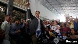 Juan Guaidó durante el encuentro con trabajadores de la administración pública este martes en Caracas.