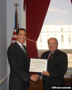 Rivera, científico ambientalista de EPA.