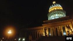 Frente del Capitolio Nacional, que marca el kilómetro cero de la carretera central de Cuba.
