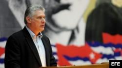 El primer vicepresidente de Cuba, Miguel Díaz-Canel, durante la lectura del informe central del VII Congreso del PCC.