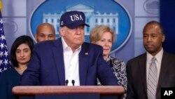 El presidente Donald Trump hace una pausa durante una conferencia de prensa en la Casa Blanca, el sábado 14 de marzo del 2020, en Washington, DC.