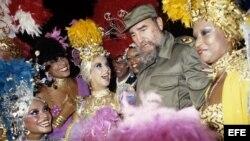 En 1986 Fidel Castro visitó con el ex presidente español Felipe González a la sala Tropicana en La Habana.