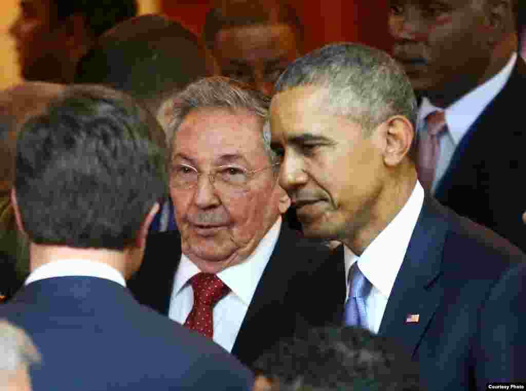 Los Jefes de Estado de Estados Unidos y Cuba coinciden en la inauguración de la VII Cumbre de las Américas.