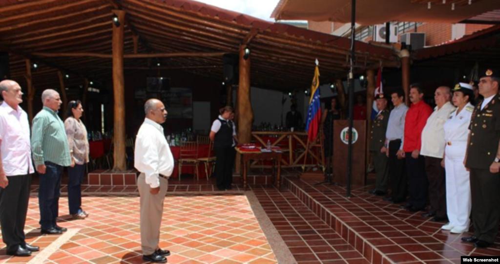 Condecoración de cubanos en Venezuela