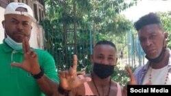 Los tres activistas del Movimiento 18 detenidos en Alamar. (Facebook/Angel Moya)