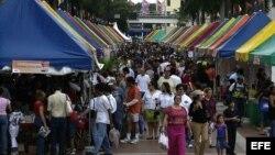 Feria Internacional del Libro en el campus de Miami Dade Collage.