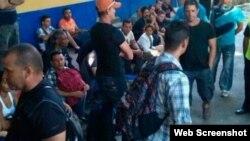 Autoridades de Honduras retienen a 120 cubanos indocumentados.