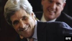 Según Foreign Affairs, el senador John Kerry tuvo una reunión secreta con el canciller cubano Bruno Rodríguez