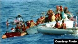 Guardacostas estadounidenses interceptan a balseros cubanos (Foto de archivo)