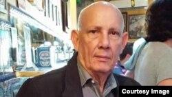 Máximo Omar Ruiz Matoses, exteniente coronel de Cuba y padre de los activistas de derechos humanos, la exprofesora Omara Ruiz Urquiola y el científico Ariel Ruiz Urquiola.