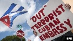Protestas del exilio cubano por reapertura de embajadas.