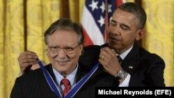 """Arturo Sandoval recibe """"Medalla de la Libertad"""""""