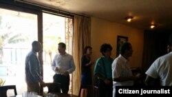 Reporta Cuba. Encuentro entre diplomáticos estadounidenses acreditados y miembros de la sociedad civil en La Habana. Foto: Primavera Digital.