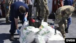 Cargamento de drogas decomisadas en el Caribe por la Guardia Costera