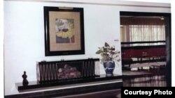Fotografías de la casa de Olga Lengyel en La Habana muestran los cuadros que faltan.