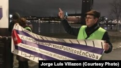 Cubanos en Estocolmo exigen liberación de Denis Solís