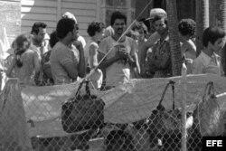 El día 4 de abril de 1980 miles de cubanos comenzaron a ocupar la embajada del Perú en La Habana.