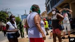 """Los afrodescendientes en Cuba """"no cuentan con capital, remesas ni redes de solidaridad para involucrarse en la economía emergente"""", afirma Juan Antonio Madrazo Luna."""
