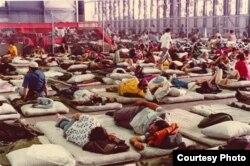 Refugiados cubanos del Mariel eran inicialmente albergados en hangares de la base aérea de Boca Chica.
