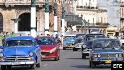 Desde que fueron levantadas restricciones para la compra de autos, los precios han sido prohibitivos para la mayoría.
